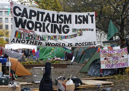 Os rebeldes na rua: o Partido de Wall Street encontra um adversário