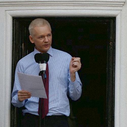 13.07.12_Assange_América Latina_Ciberguerras