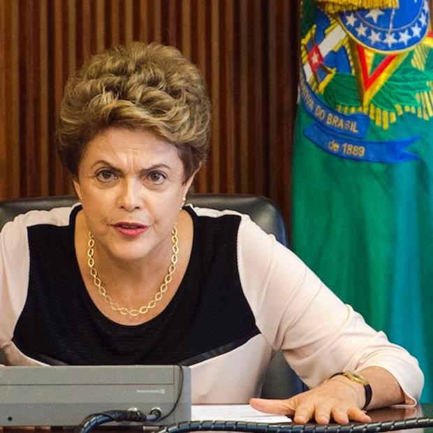 crise brasileira e direito alysson